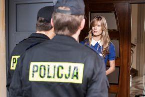 Pewnego dnia do drzwi Woydattów pukają policjanci (fot. G. Gołębiowski) (c)