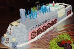 """Jubileuszowy tort na jubileusz """"Teleexpressu"""" (fot. Ireneusz Sobieszczuk/TVP)"""