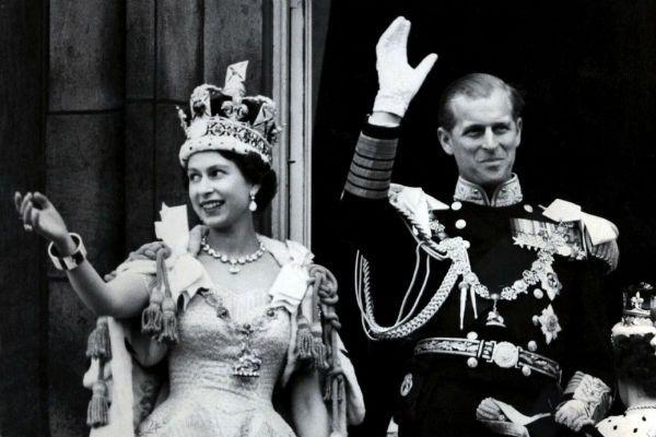 Elżbieta II zasiada na brytyjskim tronie od 60 lat (fot. STR/PAP)