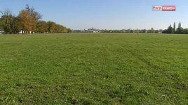 Mieszkaniec Skawiny chciał wyłudzić 200 tys. złotych rocznie za koszenie trawy na Błoniach