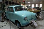 Mikrus MR 300 z 1958 r. Takim samochodem na wczasy jeździły całe rodziny... (fot. Adam Ciereszko / PAP)