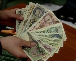 Narodowy Bank Polski wyliczył, że w polskich domach jest jeszcze ponad 8 mld sztuk  starych  banknotów