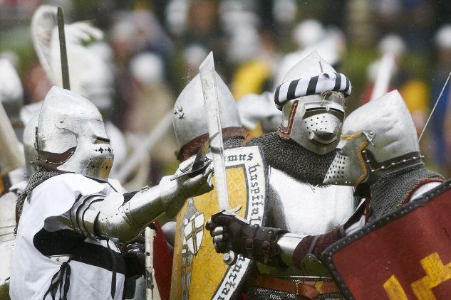 W rekonstrukcji wzięło udział ok. 1,3 tysiąca rycerzy (fot. PAP/Adam Warżawa)