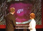 """Tak wyglądała pierwsza czołówka """"Teleexpressu"""" (fot. Ireneusz Sobieszczuk/TVP)"""