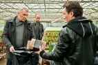 Wspólnie ze Stefanem i Wiktorem zajmuje się przemytem papierosów (fot. TVP)
