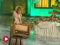 Festiwale - Justyna Szafran: Radio {piosenka} (Kabaretowa Noc Listopadowa 2010) [TVP]
