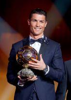 Najlepszym piłkarzem świata, po raz drugi z rzędu, został Portugalczyk Cristiano Ronaldo (fot. Getty Images)