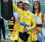 Polak pozycję lidera wyścigu wywalczył po dwóch etapach górskich (PAP/Jacek Bednarczyk)