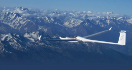 fot. https://www.facebook.com/pages/Everest-Gliding