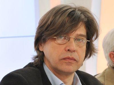 Maciej Dutkiewicz - uid_5b9009de1a3004f88a78dac4d28b726b1368185097819_width_400_play_0_pos_0_gs_0