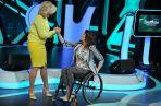 Monika Kuszyńska odbiera gratulacje od Agaty Młynarskiej (fot.TVP / J.Bogacz)