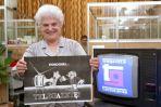 Jak za każdym innym telewizyjnym produkcie, za Telegazetą stał (i ciągle stoi) rzecz jasna zespół pracowników telewizji. Na zdjęciu z 1992 roku jedna z pierwszych redaktorek (fot. TVP)