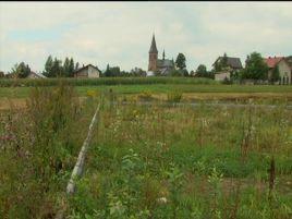 Mieszkańców Trześniowa bulwersuje stan rozpoczętej przed dwoma laty inwestycji.