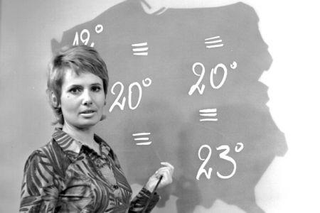 """Koleżanka """"Wicherka"""", czyli """"Chmurka"""" - Elżbieta Sommer. Pogodynki zawsze wyróżniały się urodą. (fot. TVP)"""