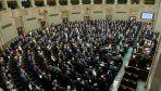 Gdyby wybory do Sejmu miały odbyć się w połowie marca, to wygrałoby je PiS (fot. PAP/Bartłomiej Zborowski)
