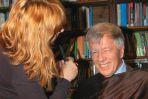 Profesor Miodek przygotowuje się do ładnego wypowiadania słów (fot. M.Maślanka/TVP)