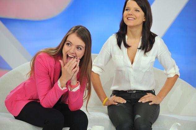 """Maria Niklińska – prowadząca program """"5 10 15"""" i Joanna Jabłczyńska (fot.J.Bogacz/TVP)"""