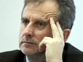 Sławomir Rogowski, członek KRRiTV, diagnozuje przyczyny niepłacenia abonamentu (fot. Bartłomiej Zborowski/PAP)