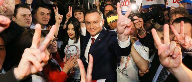 Wyniki exit poll wskazują, że wybory prezydenckie wygrał Andrzej Duda