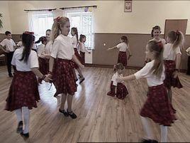 Cała Cetula tańczy