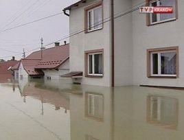 W Małopolsce po ubiegłorocznej powodzi straty sięgnęły prawie 3 mld zł w mieniu użyteczności publicznej