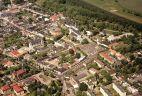 Stary Rynek z lotu ptaka, który wypiękniał dzięki dotacjom z Unii Europejskiej (fot. UM w Łowiczu)