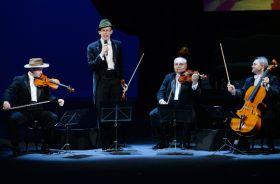 Grupa MoCarta występuje na scenie już 20 lat... (fot. I. Sobieszczuk/TVP) (c)