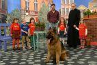 ... oraz jego serialowy właściciel komisarz Orlicz, czyli Antoni Pawlicki (fot. TVP)
