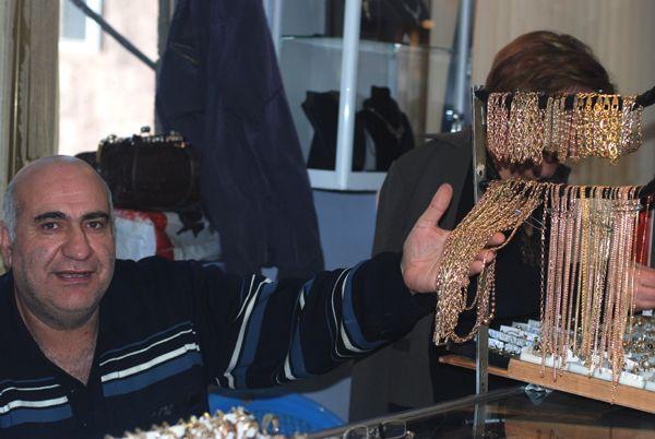 Kosztowności, złoto, diamenty. Ile dusza zapragnie! (fot. M. Borkowska/TVP)