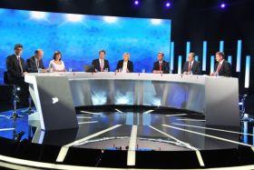 W debacie wzięli udział przedstawiciele sześciu komitetów wyborczych (fot. I. Sobieszczuk/ TVP) (c)
